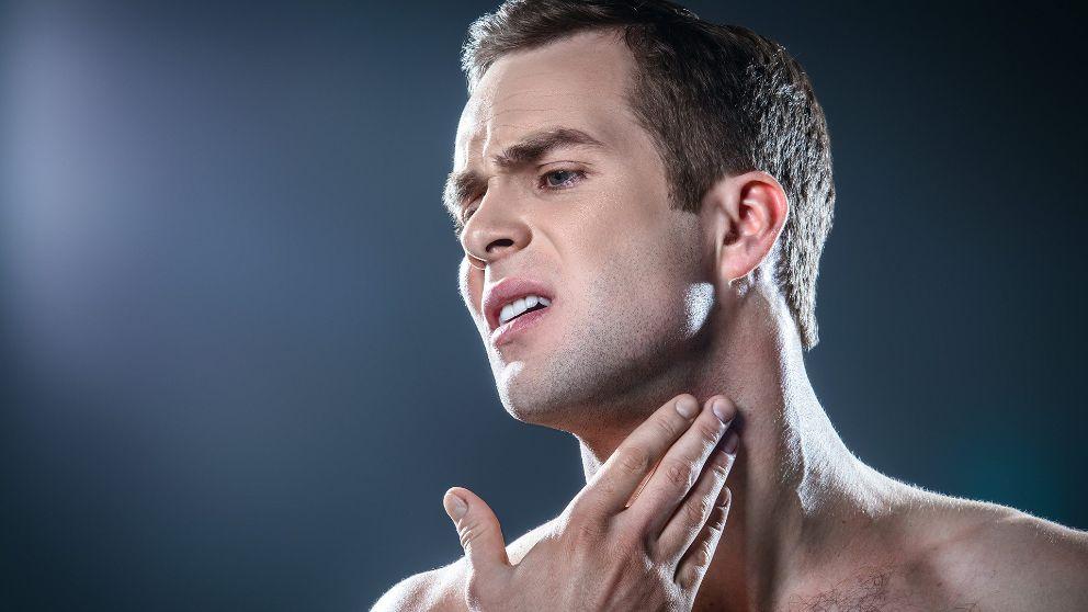 Rojeces e irritacions en barba, cejas, frente, nariz y orejas